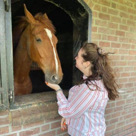 Dagbesteding Lott - paarden voeren